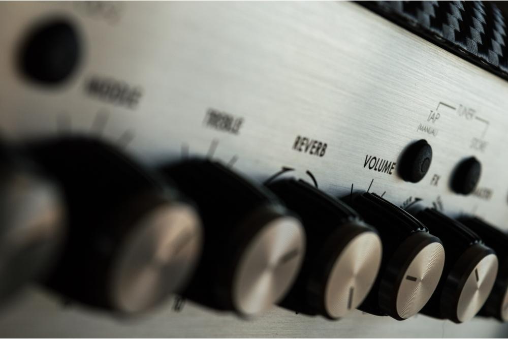 Best Integrated Amplifiers Under $1000